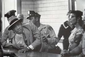 MLK jr successfully avoiding arrest