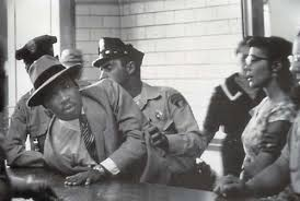 MLK jr successfully avoiding arrest