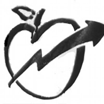can-masdeu-squating-apple