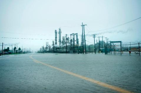 harvey impact on refineries