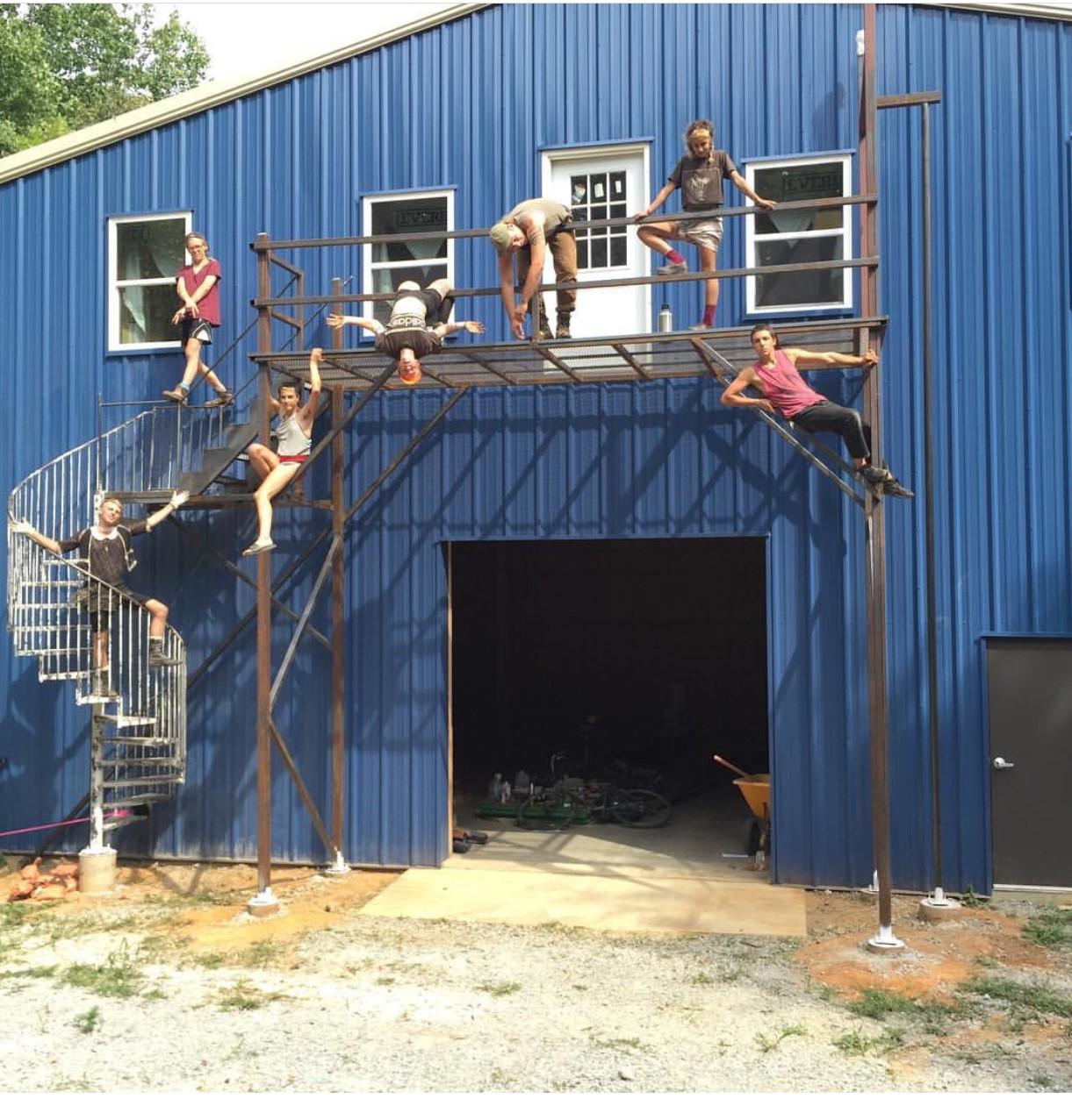 workers hang